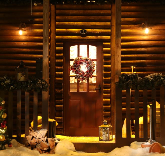Claus' Christmas Cabin